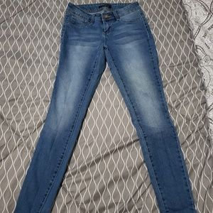 One Super Skinny Jean's Size 3 Juniors
